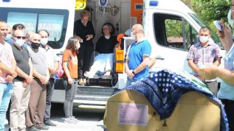 8 yaşındaki kızı son yolculuğa uğurlanırken, ambulanstan ağlayarak izledi