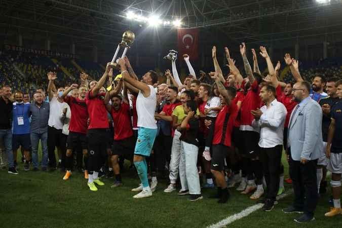 Kocaelispor'un rakipleri kapıştı!  TSYD Ankara kupası gençlerin oldu