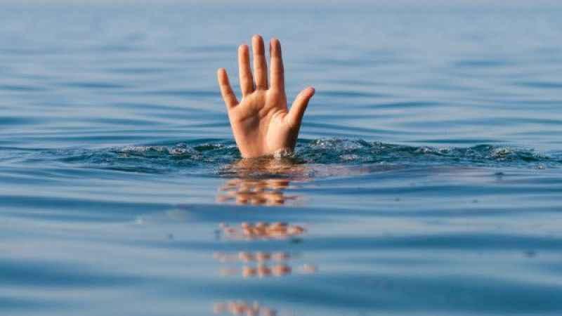 Yeğeniyle girdiği denizde boğuldu