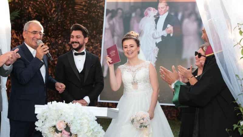 Gülümse Kafe nikah alanı mutluluğa ev sahipliği yapıyor