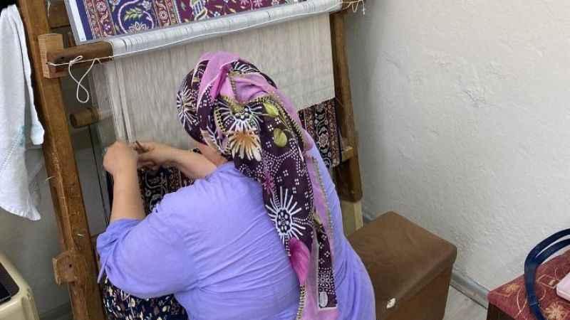 İzmitli kadınların alın teri ipek halıya dönüşüyor