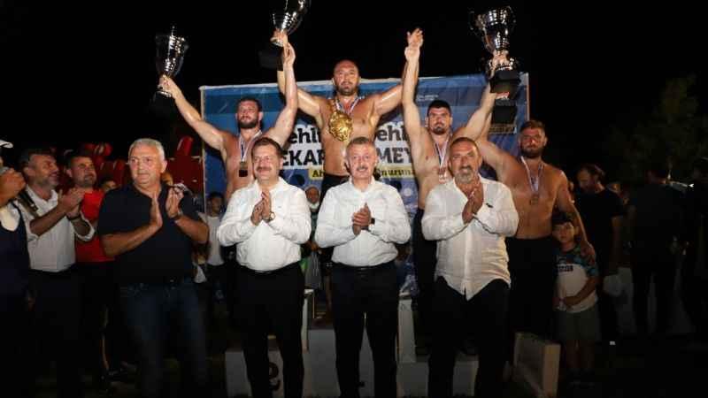 13. Sekapark Altınkemer Yağlı Güreşlerinin başpehlivanı Ali Gürbüz oldu