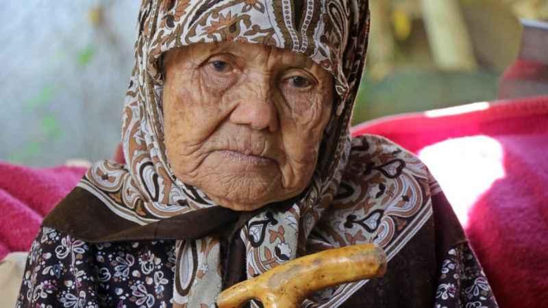 90 yaşında, yüzünde tarihin izlerini taşıyor