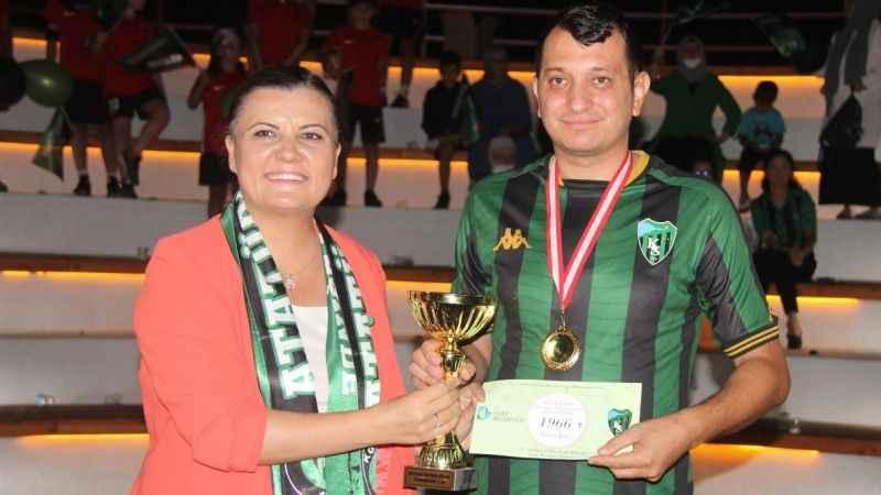 Kocaelispor Bilgi Yarışması'nda şampiyon Yunus Emre Özsoy