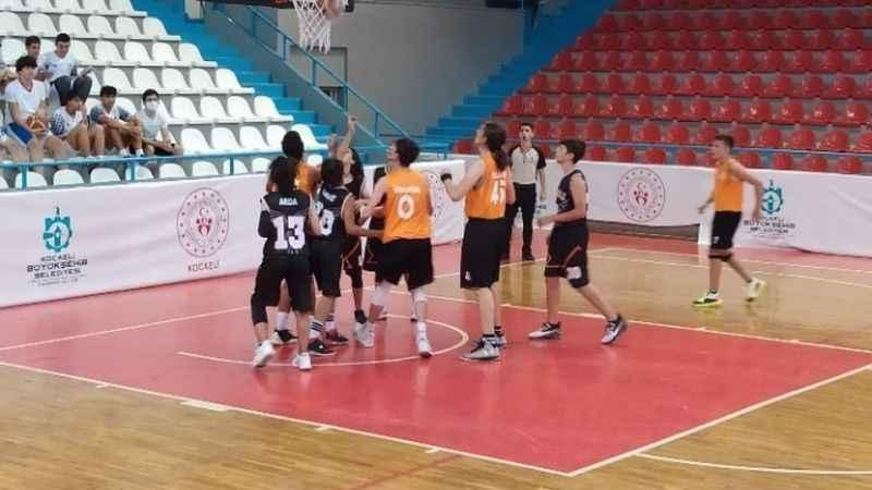 Basketbol Yaz Ligi hızlı başladı