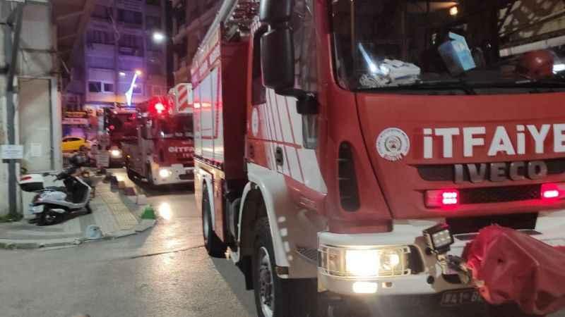 İzmit'te fastfood zincirine ait depoda yangın