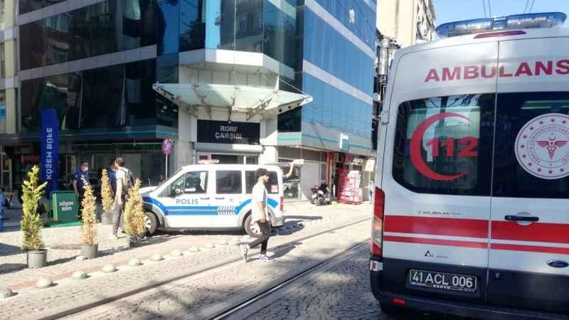 Kemalpaşa Mahallesi'nde bıçaklama: 1 yaralı