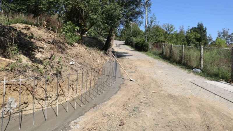 İzmit Belediyesinden Ambarcı'ya yeni beton duvarlar