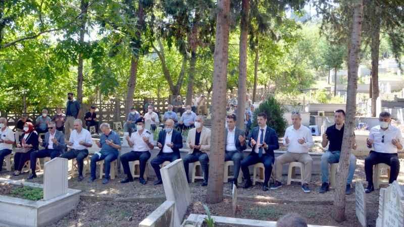 Karamürsel'de deprem şehitleri unutulmadı