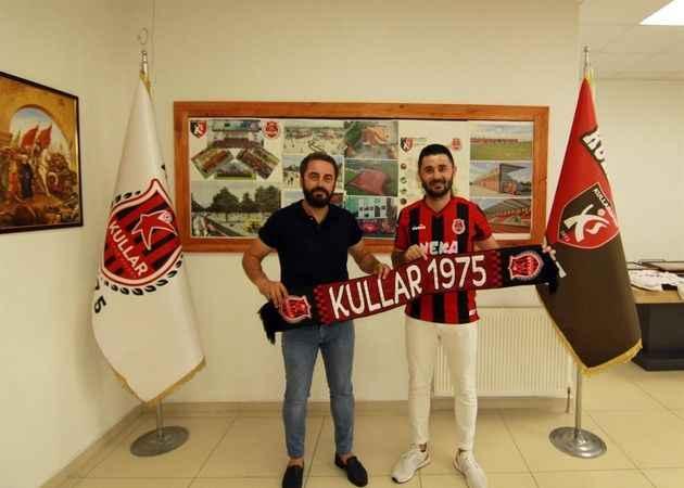 Murat Kefeli de imzaladı