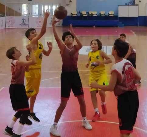 Basketbol Yaz Ligi heyecanı sürüyor
