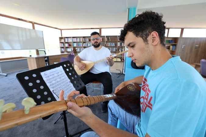 Başiskele'de müzik  kursları devam ediyor