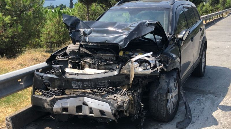 TEM'de cip, ticari araca çarptı: 7 yaralı