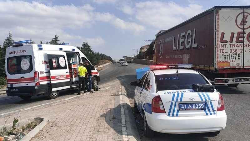 Kocaeli'de devrilen motosikletin sürücüsü yaralandı