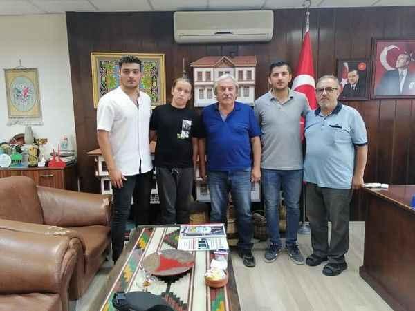 Fenerbahçe genç kaleciyi İstanbul'a çağırdı