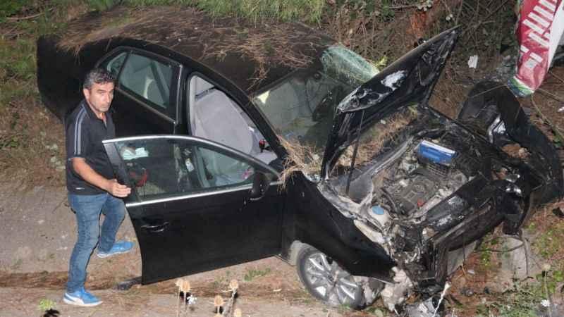 Otomobil devrildi 2 kişi yaralandı