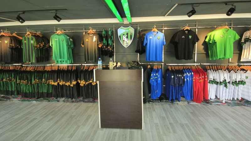 Kent Meydanı'ndaki Kocaelispor mağazası açıldı