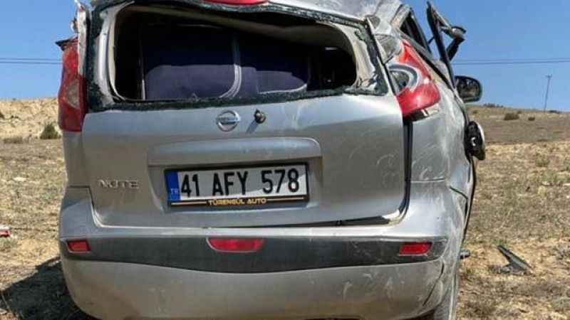 41 plakalı otomobil takla attı! 1 ölü 4 yaralı