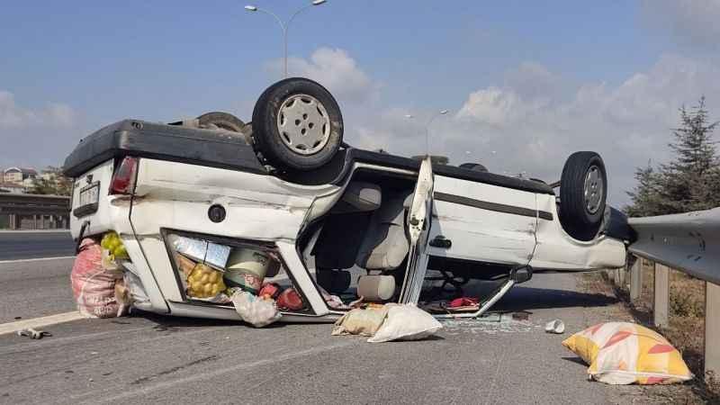 Otomobil TEM'de takla attı: 6 yaralı