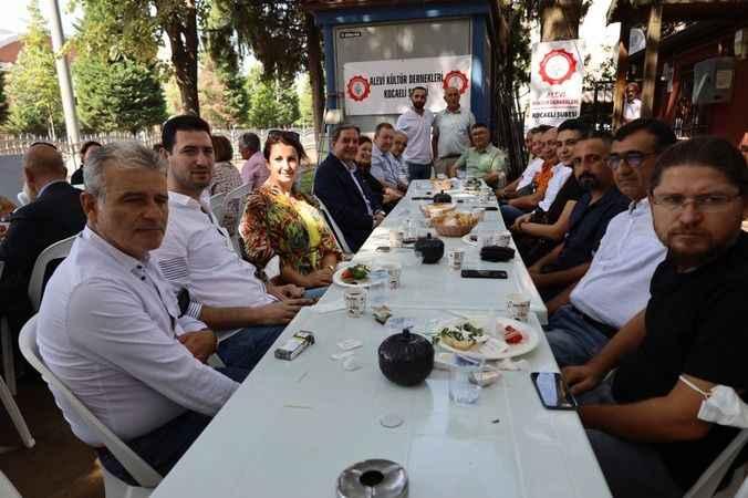 Alevi Kültür Dernekleri Engelsiz Cafe'de buluştu