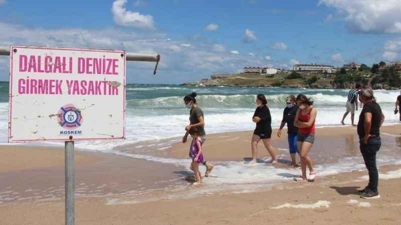 Kandıra sahillerinde denize girmek yasak!