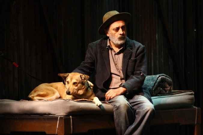 Oyuncu ve yönetmen Özveri  hayatını kaybetti