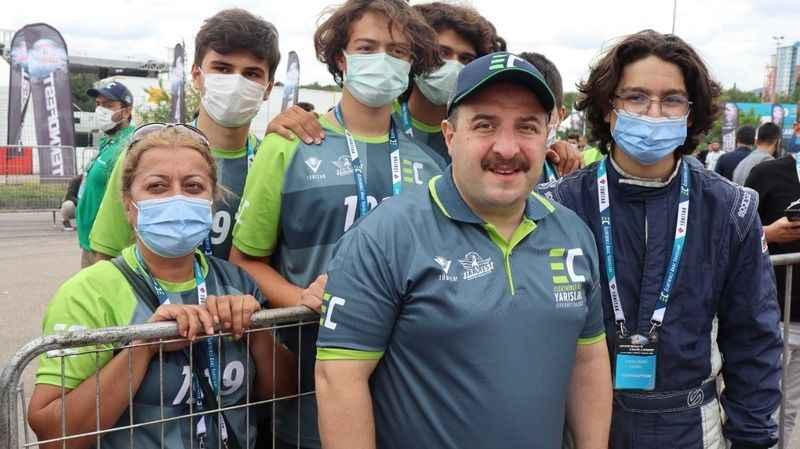 Bakan Varank, elektrikli araç yarışları için Kocaeli'ye geldi