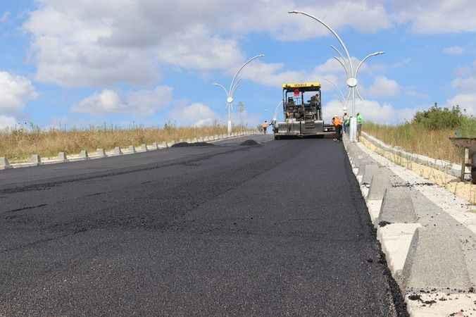 İzmit Belediyesinden Tüysüzler'de asfalt mesaisi