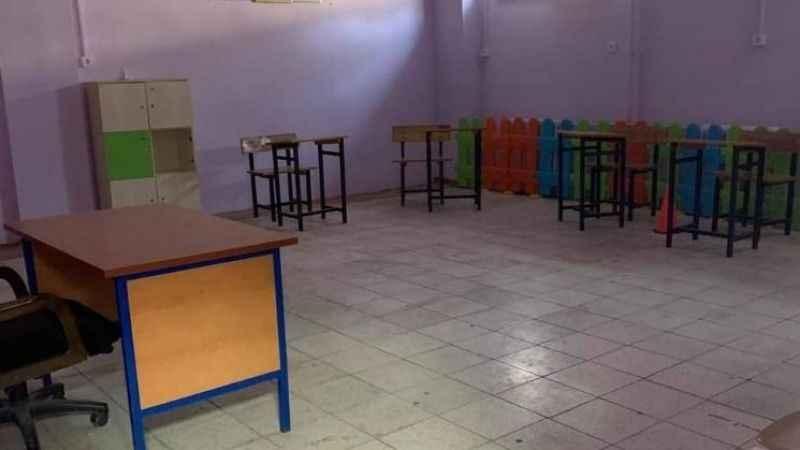 Atipik otizmli çocuğunun sınıfının yerine tepki gösterdi, kat değiştirildi
