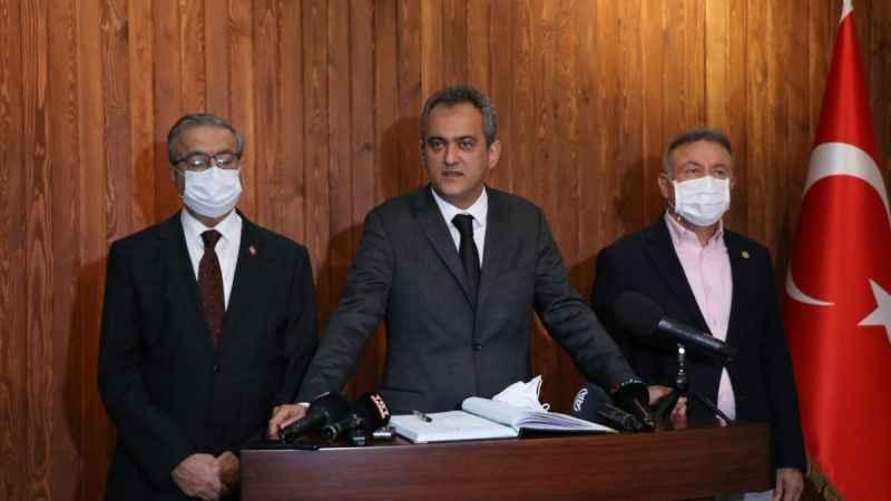 Milli Eğitim Bakanı: Covid-19 salgını ortamında en güvenli ortam okullardır