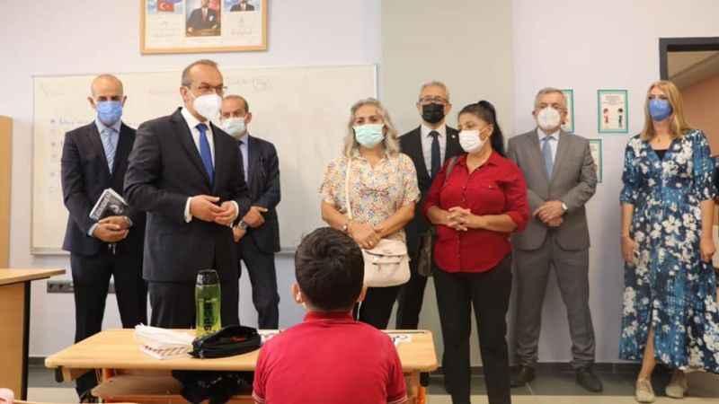 Vali Yavuz'dan Şehit Öğretmen Erkan Aydın Okulu'na ziyaret