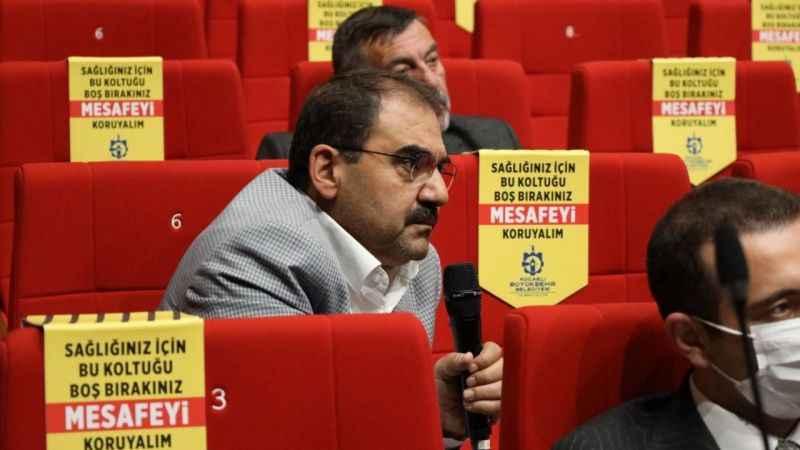 Nurettin Bulut, sokak hayvanları konusunu Büyükşehir Meclisi'ne taşıdı
