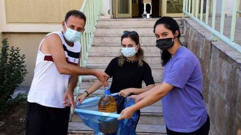 İzmit Belediyesi evlerden topladığı atıkları geri dönüşüme kazandırıyor