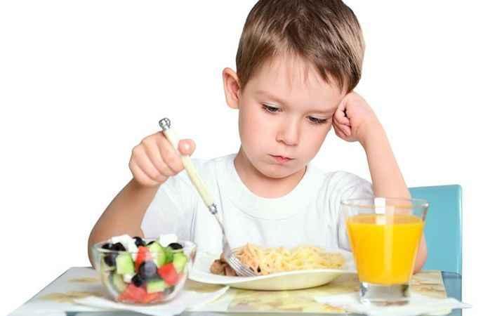 Yanlış beslenme çocuklarda dişlere zarar veriyor!