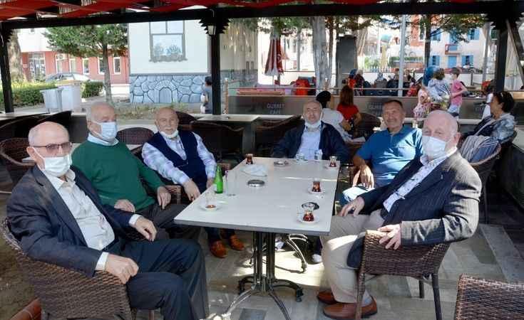Eski dostları, emekli yarbay  Aydın Tamer'i ziyaret etti