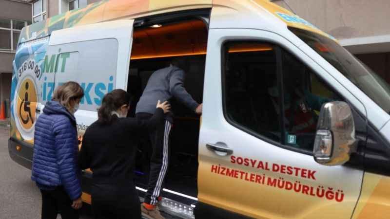 Engelsiz Taksi,vatandaşın yardımına koştu