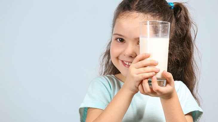 Fazla süt içmek ileride alerji riskini arttırıyor!