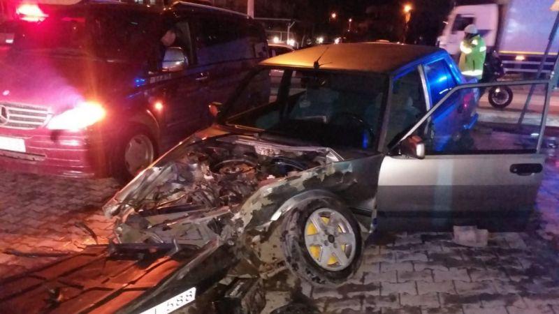 3 araç çarpıştı: 1 ölü 5 yaralı