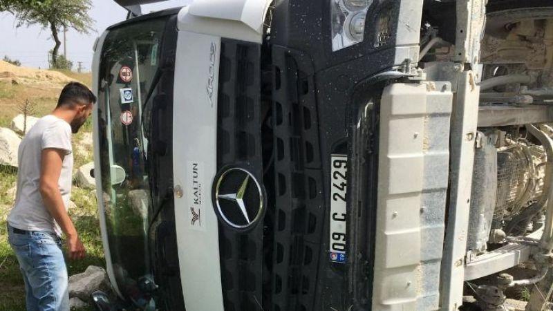 Maden kamyonu devrildi: 1 yaralı