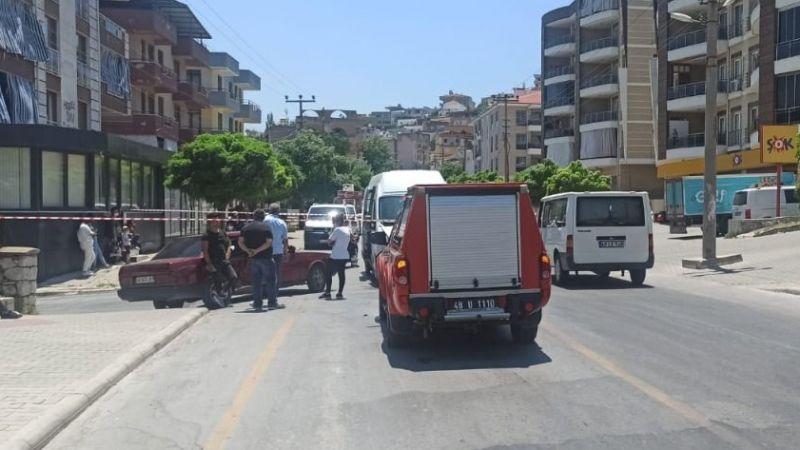 Otomobil yolcu minibüsüyle çarpıştı