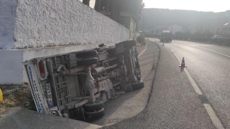 Kamyonet takla attı, sürücü yaralandı