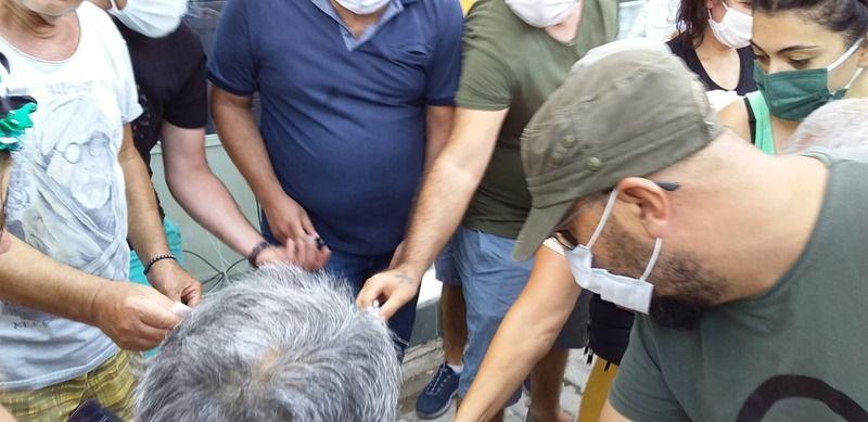 Güllüklüler su faturalarını yakarak protesto ettiler