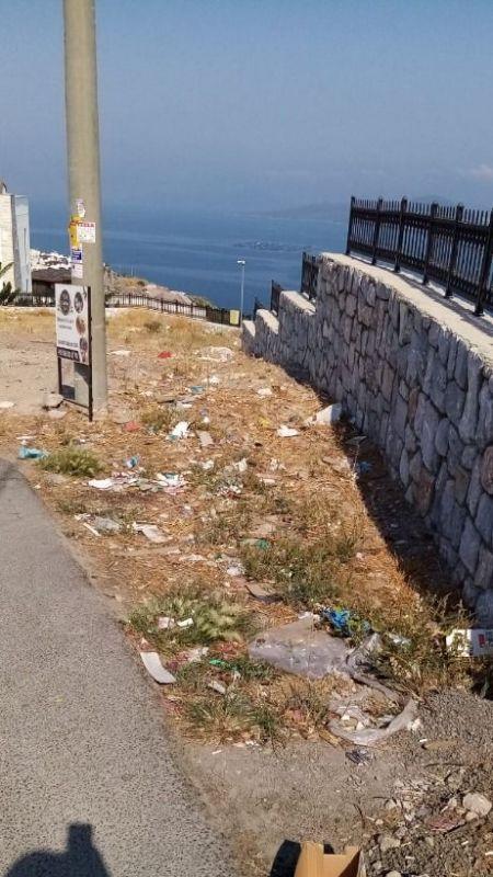 Milas'ın turistik yerleşiminde çöp rezaleti!