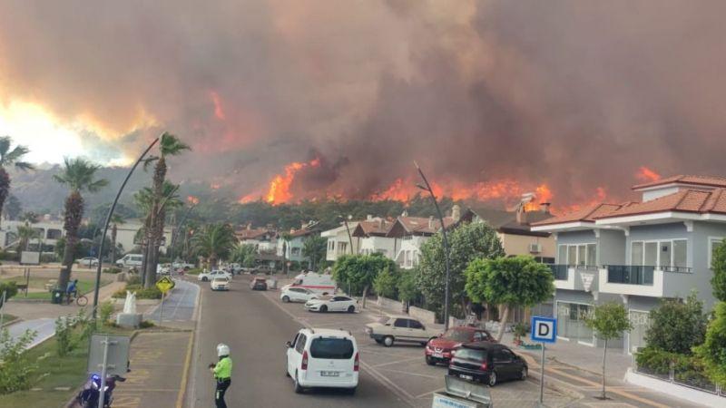1 fabrika, 10 ev, 1 araç yandı