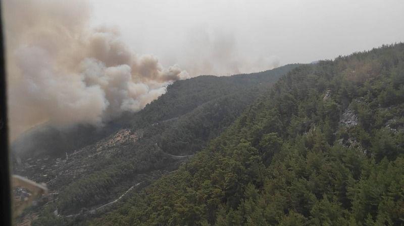 Yangın yerleşim yerini tehdit ediyor