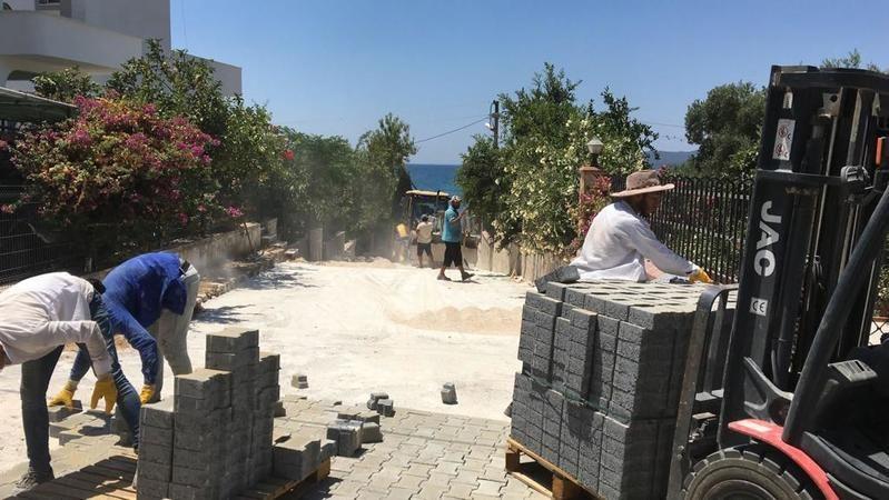 Zeytinlikuyu'da parke kaplama çalışmaları tamamlandı
