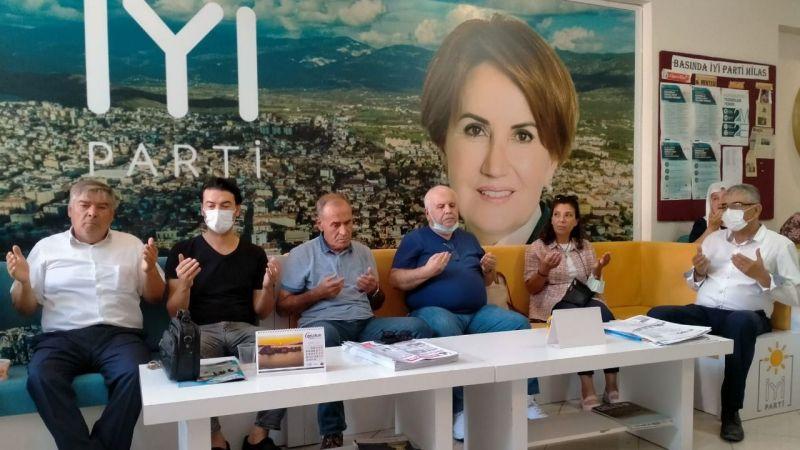 İYİ Parti Yönetiminden aşure etkinliği