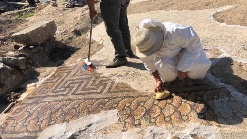 İnşaat temelinden çıkan mozaikler hayran bırakıyor