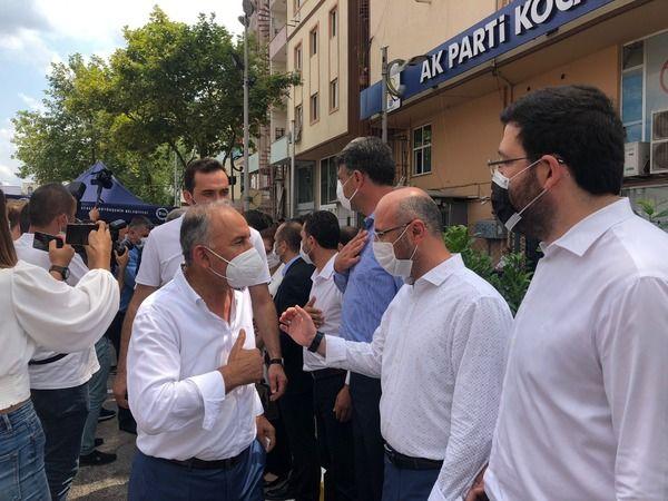 AKP'liler bayramlaşma yapıp tokalaşmadılar