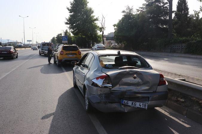 Ticari taksi ile otomobil çarpıştı: Yaralılar var